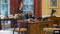 Barack Obama autorizó el uso de la fuerza para proteger a sus compatriotas en Erbil, capital del Kurdistán iraquí, así como el envío de auxilio para decenas de miles de desplazados que han huido del avance yihadista. EFE/Ron Sachs POOL