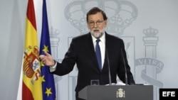 El presidente del gobierno Mariano Rajoy compareció para explicar la aplicación del Artículo 155 de la Constitución, tras el Consejo de Ministros extraordinario.