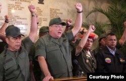 Según la Constitución la FANB es una institución sin militancia política. No para el ministro de Defensa (c) Diego Molero (foto El Universal)