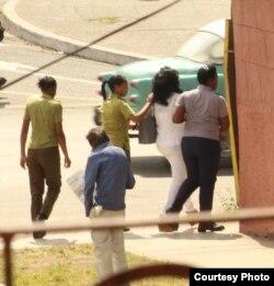 Arresto de Berta Soler este viernes. (Foto: Angel Moya)