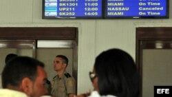 Cuba anuncia pasos para normalizar las visitas de sus emigrados 'ilegales'