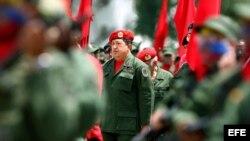 Archivo - Hugo Chávez participa en acto en la Academia Militar de Caracas.
