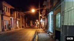 Calle Cable, en Holguín, con reducción de alumbrado público.