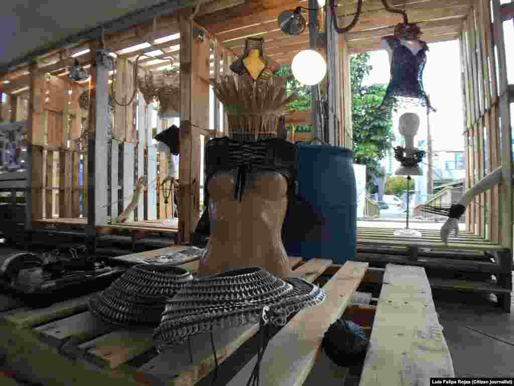 Locación de la Fábrica de Arte Cubano, expuesta en Miami Mini Maker Faire. Foto Luis Felipe Rojas.