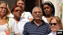 Reacciones por la muerte en La Habana de Arnaldo Ramos Lauzurique