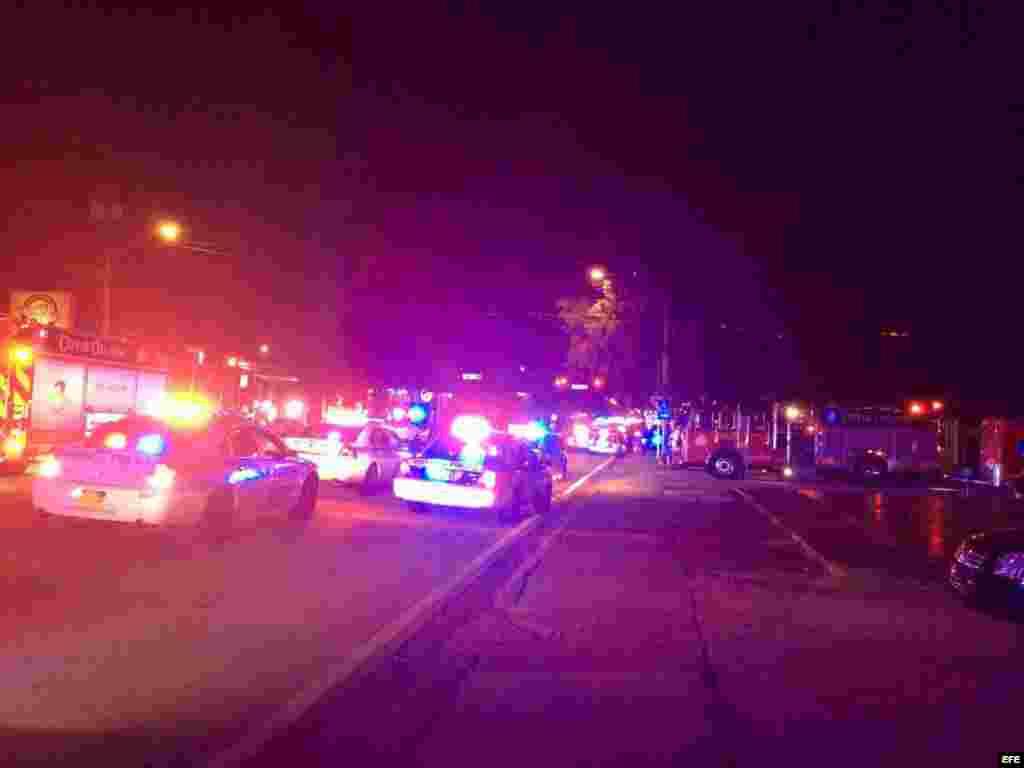 Escena general del club gay Pulse, donde ocurrió el tiroteo que dejó un centenar de heridos.