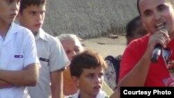 Manifestación en Madrid contra el uso de niños cubanos en actos de repudio