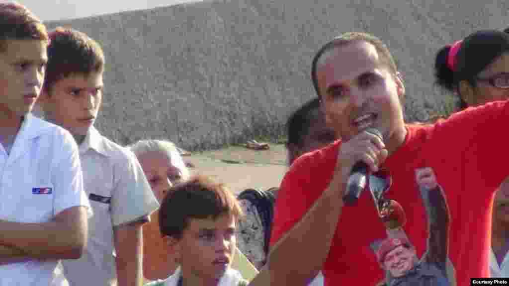Primer secretario UJC Municipio Playa en Acto de repudio contra Estado de Sats.