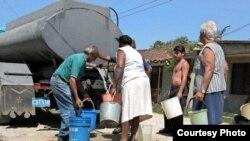 Debido a la escasez de agua algunas zonas de Santiago deberán ser abastecidas por 'pipas' de otras provincias.