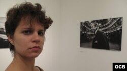 1800 Online con la actiz y fotorreportera cubana Iris María Mariño