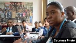 Cubanos en seminarios en Perú.