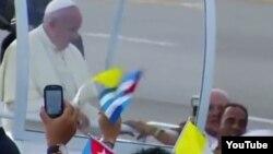 Tres que se acercaron al Papa intentan eliminar la acusación más grave