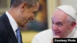 Dos cardenales persuadieron a Francisco de hablar con Obama sobre Cuba en marzo de 2014.