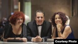 Con la directora Marilyn Solaya y el productor Carlos de la Huerta, en los Premios Goya, en Madrid. (foto Héctor Garrido)