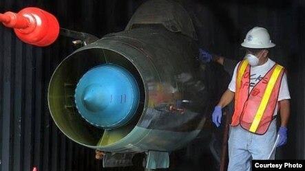 Dos MiG-21 BIs fueron hallados en contenedores ocultos bajo azúcar cubana en el barco norcoreano Chong Chon Gang.