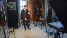 Marco Rubio durante el ensayo para la respuesta al discurso de Obama.