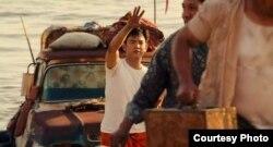Harold junto a Kumar se escapan de Cuba.