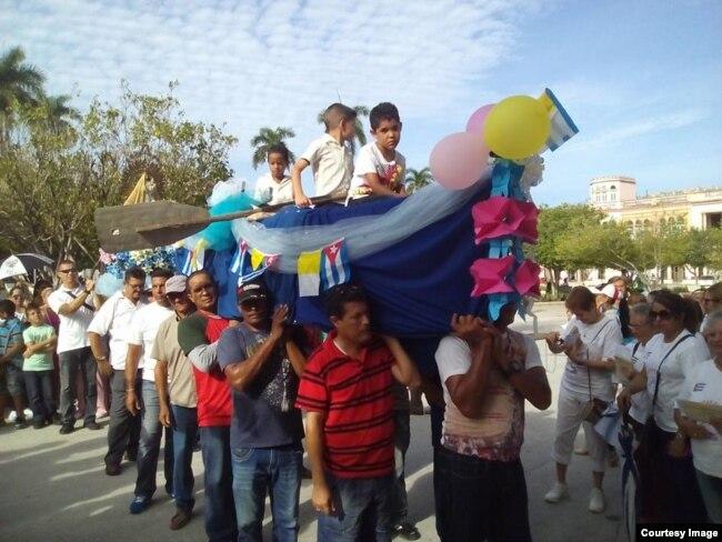 Cruz Peregrina en Manzanillo.