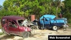 Accidemte Pontiac 55 y Citroen, Ciego de Avila