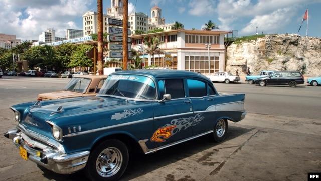 Su almendrón contra su crédito, y tasado a valor de mercado. Este Chevrolet '57 personalizado podría valer un Potosí.