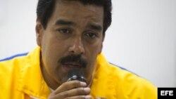 El gobierno de Nicolás Maduro también dijo que ya no habrá más viviendas gratuitas para los chavistas.