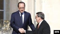 Presidente francés recibe al canciller cubano
