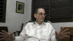 Impiden salida de Cuba a René Gómez Manzano.