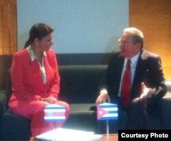 Laura Chinchilla y Raú Castro (Twitter de la presidenta de Costa Rica)