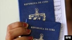 Nueva ley migratoria cubana con más interrogantes que respuestas
