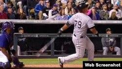 El cubano José Dariel Abreu (Medias Blancas de Chicago) sacó dos veces la pelota del parque el martes.