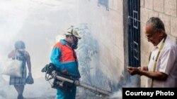 Fumigación contra los mosquitos transmisores del Zika en Venezuela