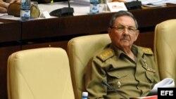 De acuerdo con el Financial Times, las reformas de Raúl Castro peligran si Venezuela descubre que no puede subsidiar más a la isla.