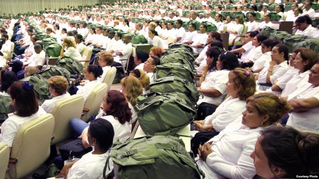 Venezuela se apresta a recibir una cifra sin precedentes de trabajadores de la salud cubanos.
