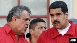Nicolás Maduro (der.) y Eulogio Del Pino.