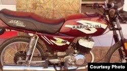 "Una ""Karpazuki"", Karpaty rusa con pistón de Suzuki, alcanza 160 kph (O.González)."