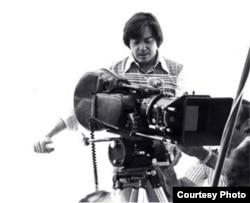El director de cine cubano Fausto Canel durante una de las filmaciones en Cuba.