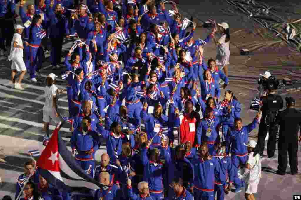 Atletas de la delegación de Cuba desfilaron el viernes 14 de noviembre de 2014, durante la inauguración de los XXII Juegos Centroamericanos y del Caribe, en Veracruz, (México).