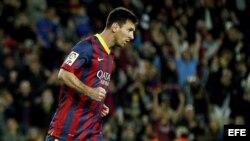 El delantero argentino del FC Barcelona Leo Messi celebra su gol.