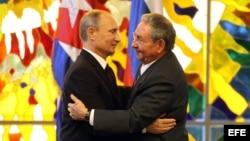 Castro y Putin. Foto Archivo