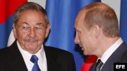 Archivo. Castro y Putin en la visita de Raúl Castro a Rusia el 2009.