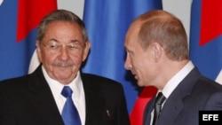 Raúl Castro y Vladimir Putin. Archivo