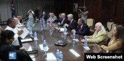 El gobernador de Misisipi Phil Bryant se reunió con autoridades cubanas en La Habana.
