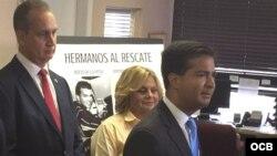 Los congresistas cubanoamericanos (izq a der.) Mario Diaz-Balart, Ileana Ros-Lehtinen, y Carlos Curbelo.