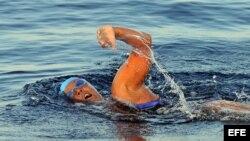 La nadadora estadounidense Diana Nyad abandona el cuarto intento de llegar a La Florida nadando desde Cuba