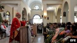 Cardenal Ortega con los feligreses capitalinos