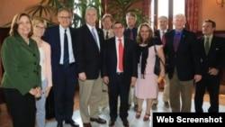 La visita de políticos estadounidenses a Cuba es la segunda de este tipo en dos semanas.