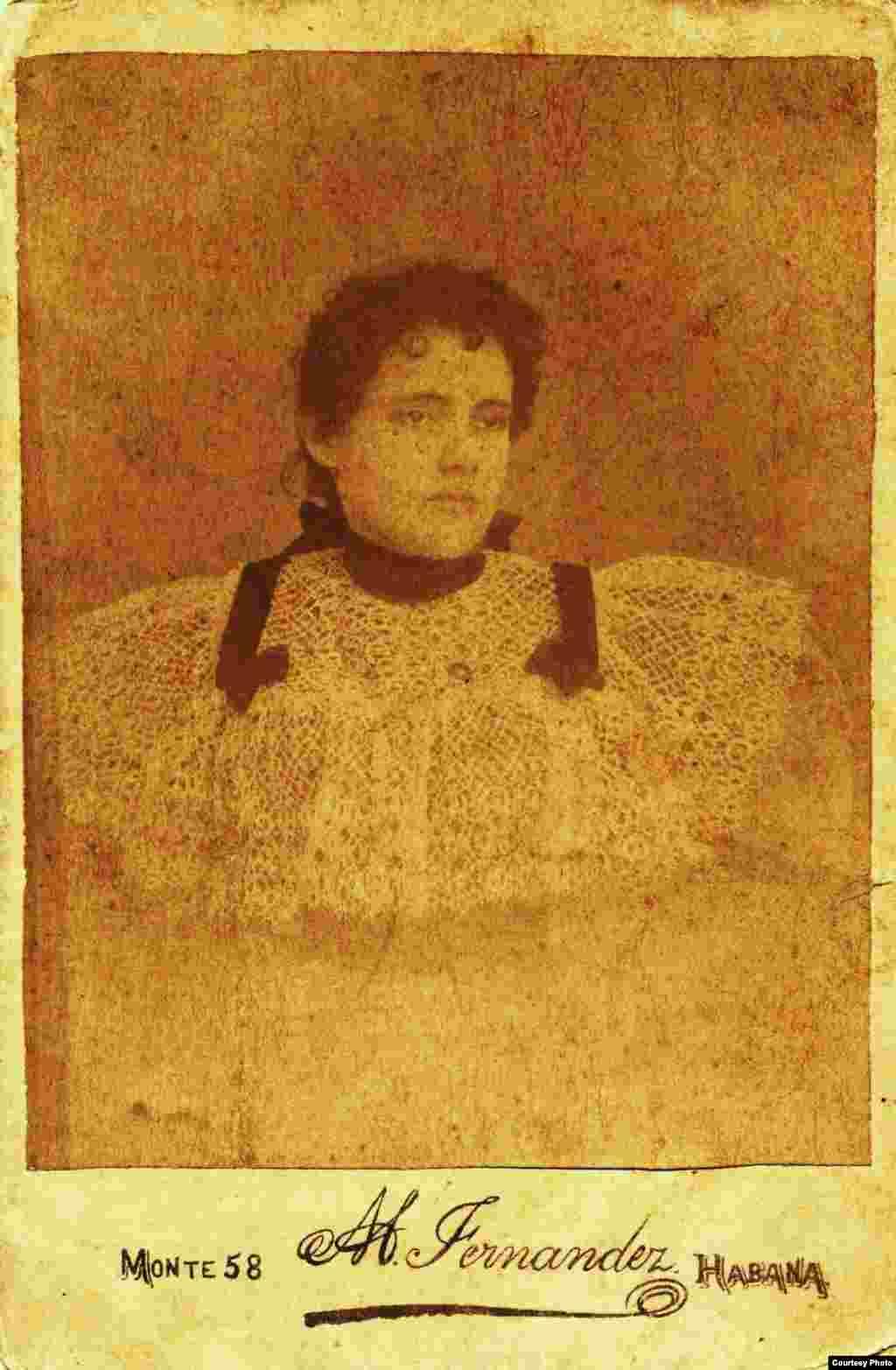 María Sánchez de Fuentes a los 15 años. María Sánchez de Fuentes a los 15 años.