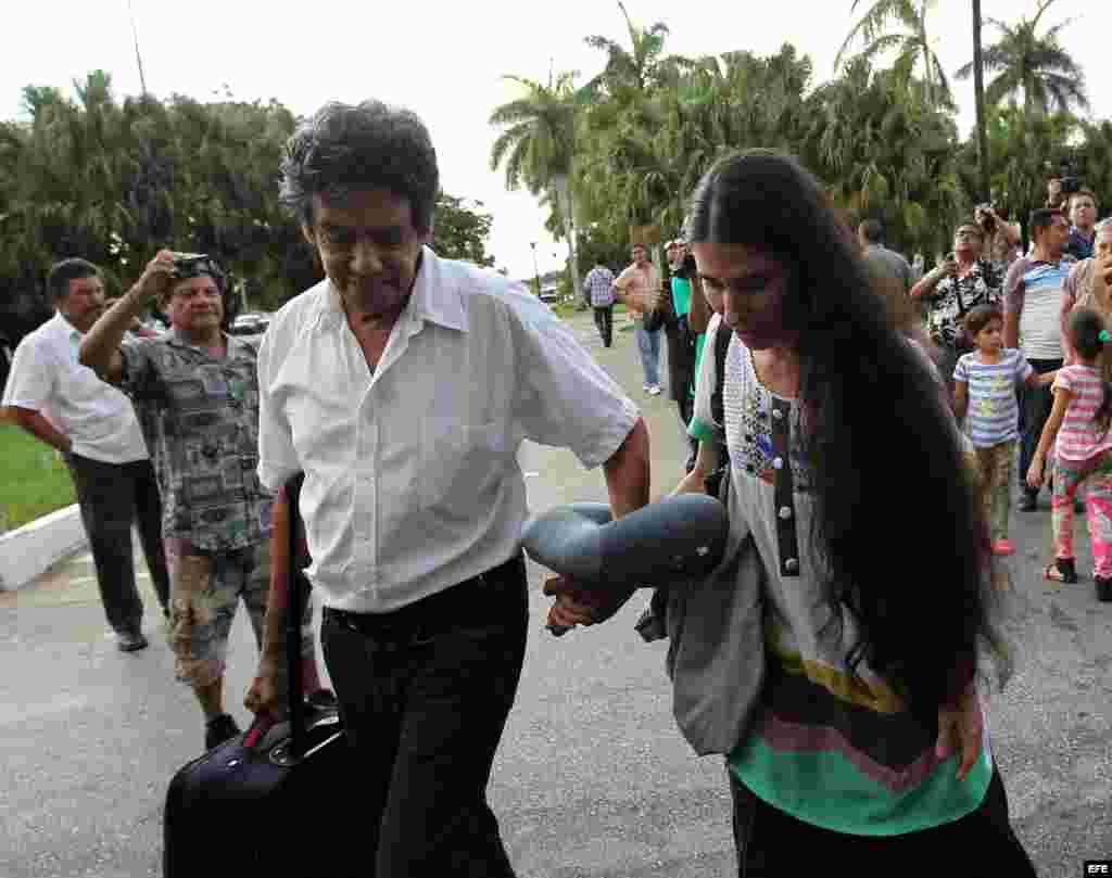 Sánchez viajó a Brasil, Perú, México, España, Italia, Polonia, República Checa, Alemania, Noruega, Holanda, Suecia, Suiza y Estados Unidos, donde se reunió con demócratas y republicanos del Congreso de Estados Unidos y la comunidad cubana exiliada en Miami.