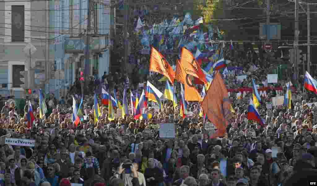 Marcha en Moscú, Rusia, contra la política de Putin.