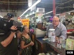 Recaudación de fondos en la tienda Ño, qué Barato!, de Miami.